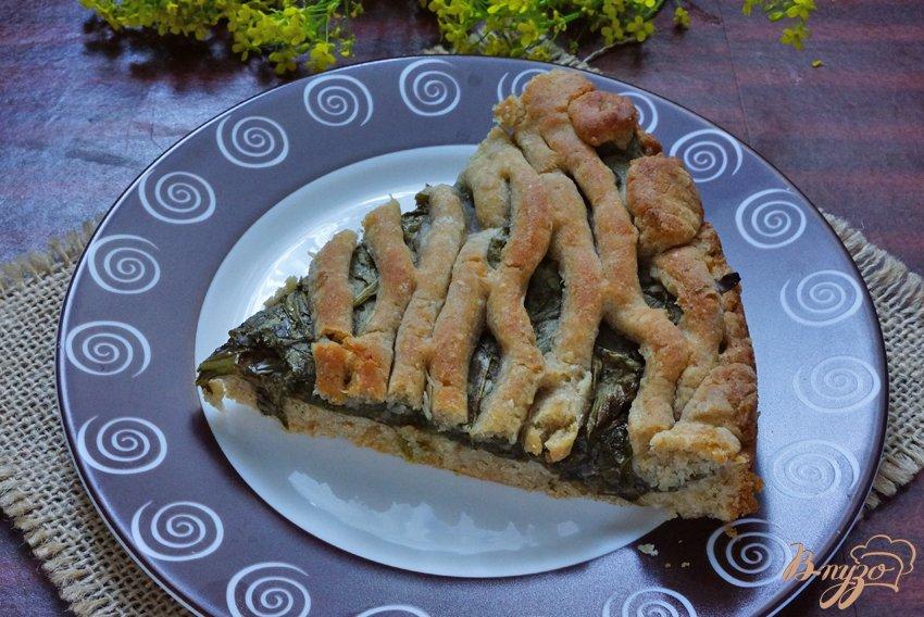 Фото приготовление рецепта: Пирог с начинкой из щавеля шаг №11