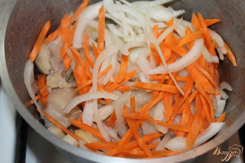 Фото приготовление рецепта: Шурпа по - домашнему со свининой и аджикой шаг №4