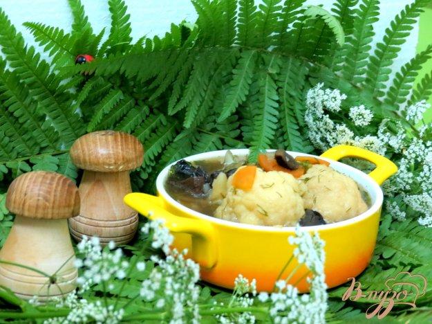 фото рецепта: Суп с лесными грибами и цветной капустой в мультиварке