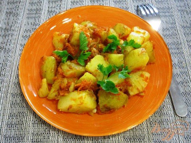 фото рецепта: Картофель с морковью и луком