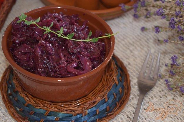 фото рецепта: Тушенная в вине краснокачанная капуста