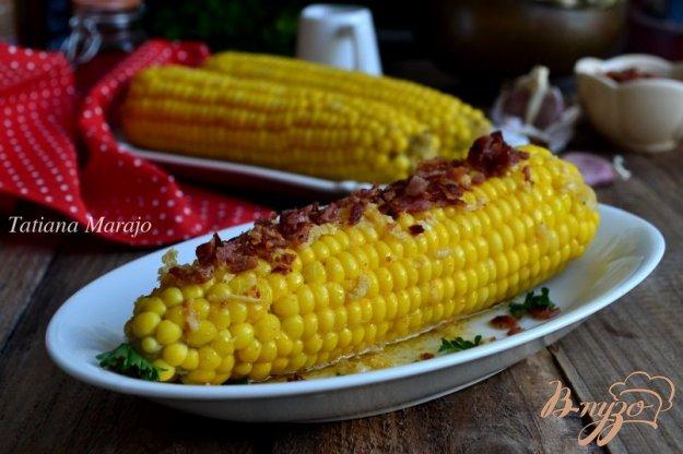 фото рецепта: Отварная кукуруза с хрустящим беконом