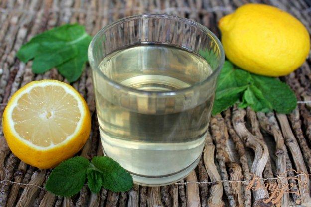 фото рецепта: Лимонад медовый с мятой и ликером