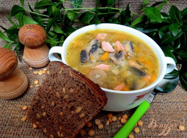 фото рецепта: Гороховый суп с сосисками и шампиньонами
