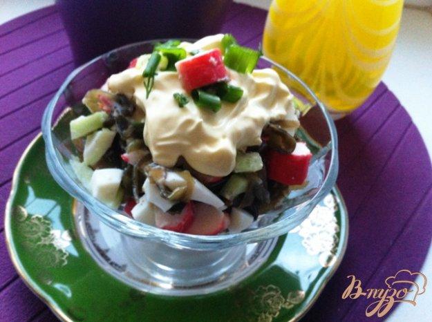 фото рецепта: Салат  из морской капусты с крабовыми палочками
