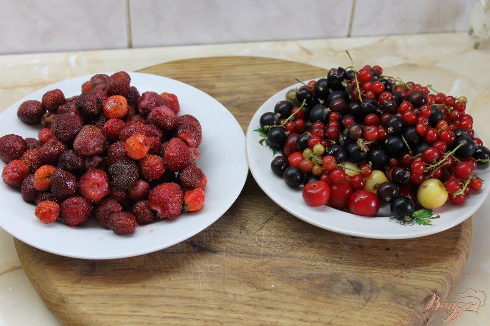 Рецепт Компот из летних ягод с медом