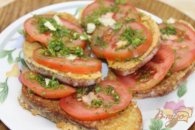 фото рецепта: Гренки с яйцом и помидором