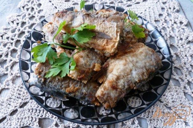 фото рецепта: Жаренный язь с чесноком