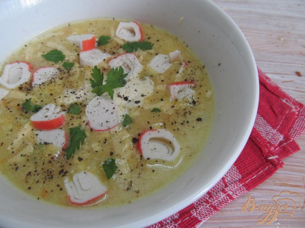 фото рецепта: Сырный суп с крабовыми палочками