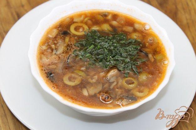 фото рецепта: Томатный суп с двумя видами грибов