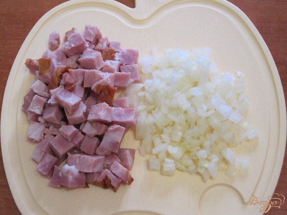 Фото приготовление рецепта: Тортилья с грибами и картофелем шаг №3