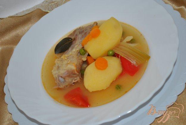 фото рецепта: Жаркое со свиными ребрами, овощами и хамоном