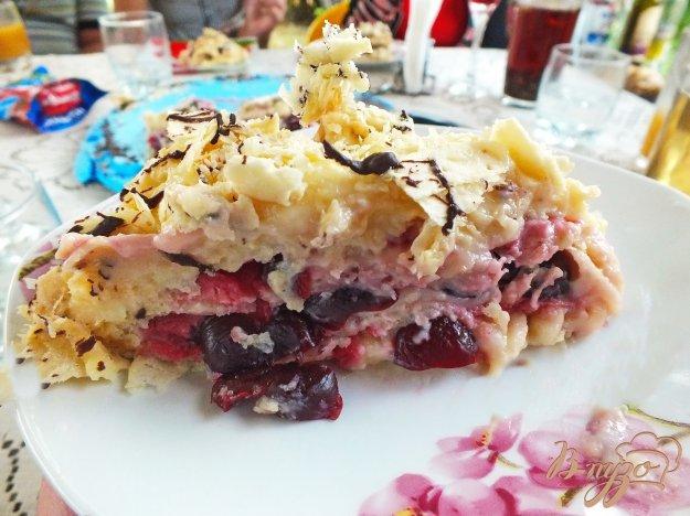 Торт вишневий з заварним кремом і шоколадом. Як приготувати з фото
