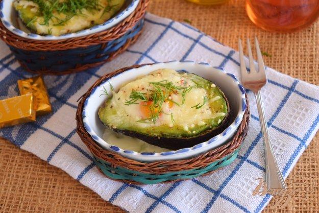 фото рецепта: Яичница в авокадо