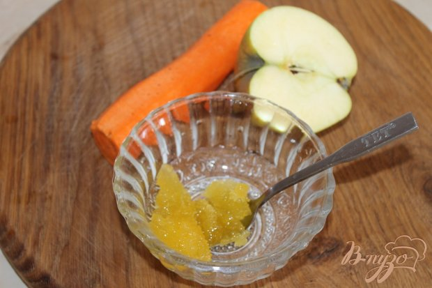 Салат с яблоком и морковью с медом