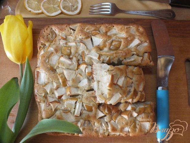 Яблочный пирог со специями на сметане
