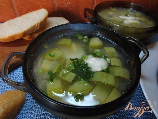 Суп куриный с кабачком и луком