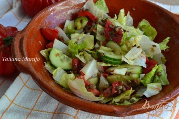 Овощной салат с отварной чечевицей