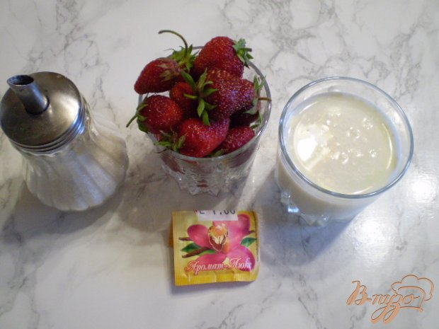 Рецепт Молочный коктейль с клубникой и ванилью