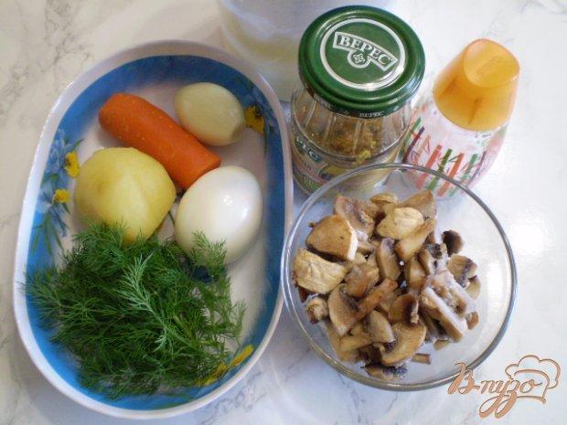 Рецепт Салат с вареными грибами