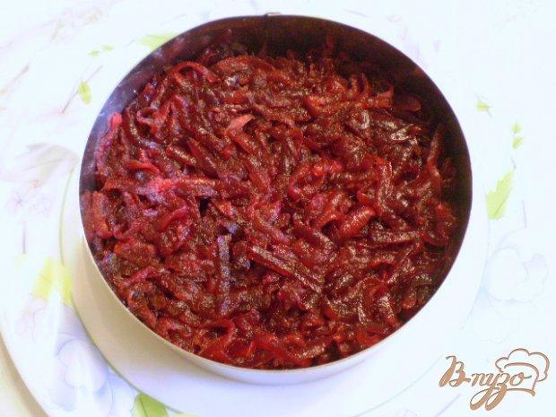 Салат с жареными грибами и свеклой