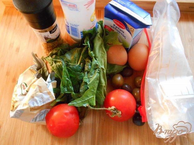 Омлет с помидорами и шпинатом