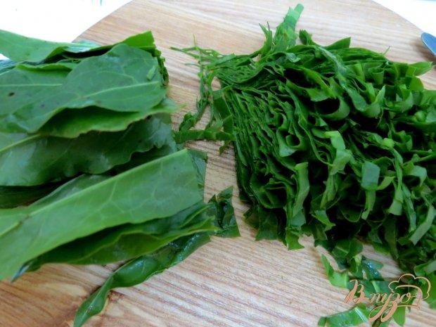 Салат из огурца, щавеля и кукурузы