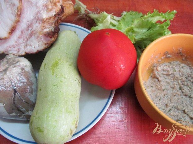 Рецепт Салат из сердца помидора кабачка под грибным соусом
