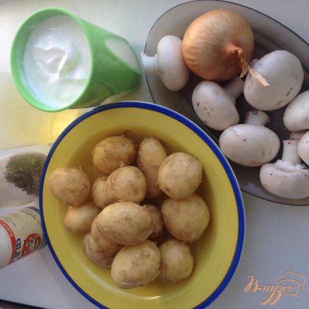 Рецепт Молодой картофель с грибами в сметане