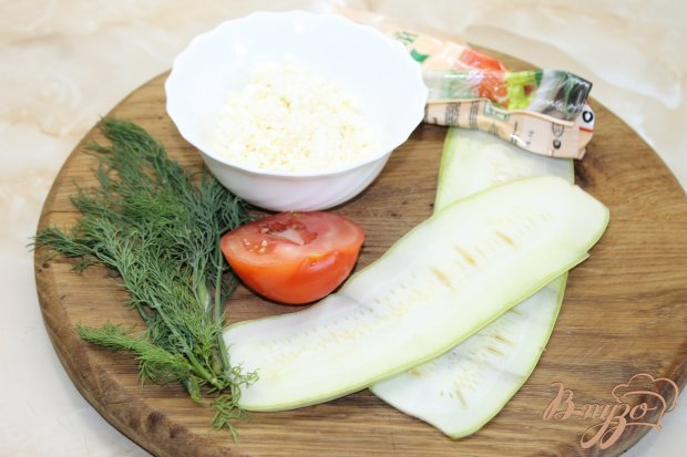 Рецепт Кабачковые роллы с творогом и помидором с зеленью