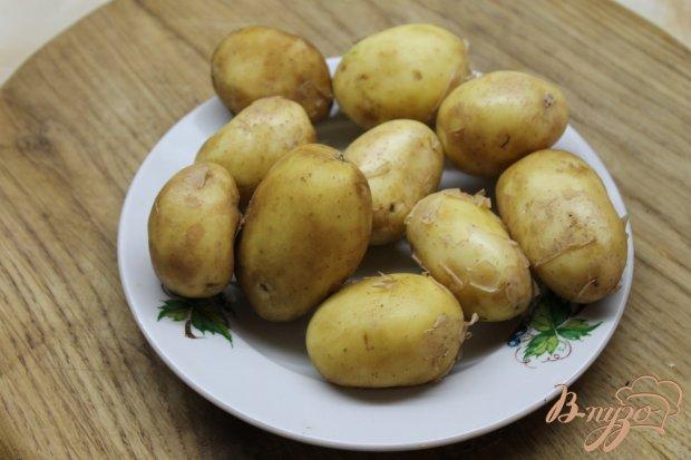 Рецепт Молодой картофель отварной с зеленью и твердым сыром