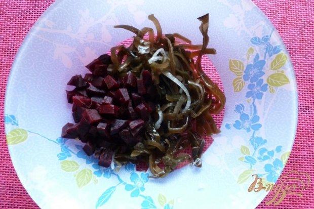 Рецепт Салат из морской капустой со свеклой