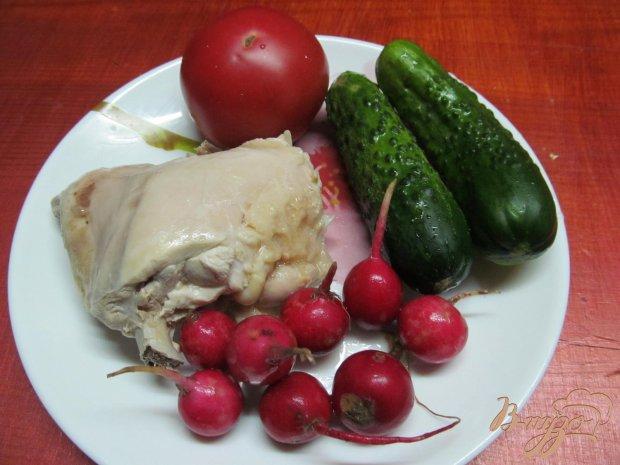 Рецепт Салат из курицы помидор и редиса