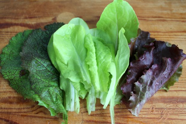Рецепт Салат с мясом, зеленью и яйцом