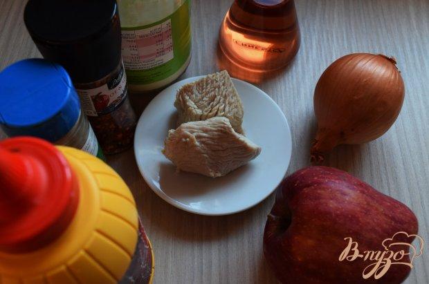 Рецепт Салат из куриного филе с яблоком