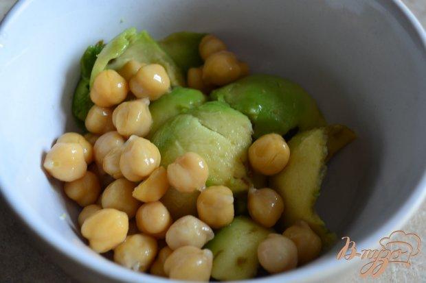 Рецепт Брускетта с кремом из авокадо и копченой семгой
