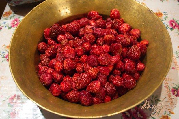 Рецепт Клубничное варенье с желфиксом( варенье с целыми ягодами)