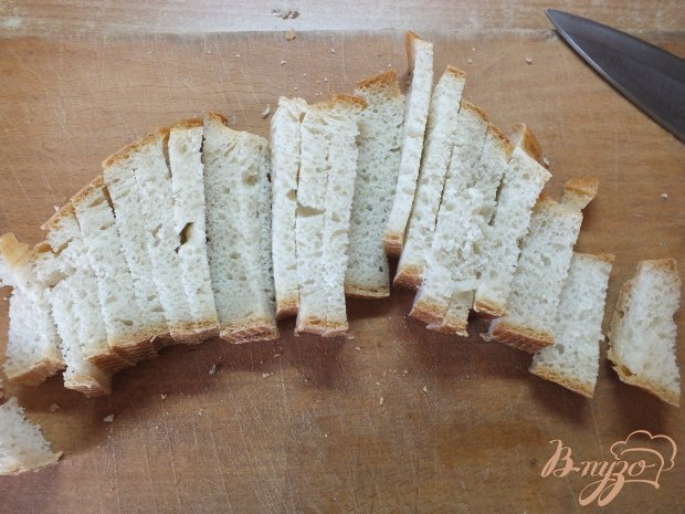 Рецепт Салат яичный с огурцом и гренками