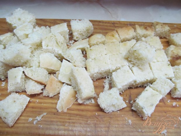 Рецепт Салат из овощей колбасы и сухариков