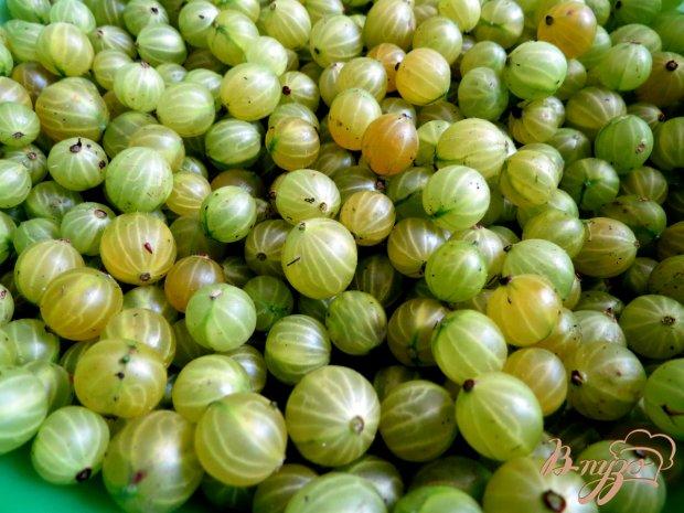 Рецепт Компот из крыжовника и смородины с мятой
