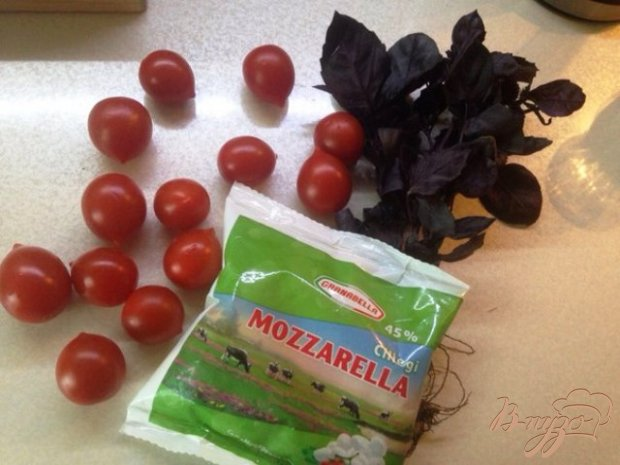 Рецепт Закуска из помидор черри и моцареллы