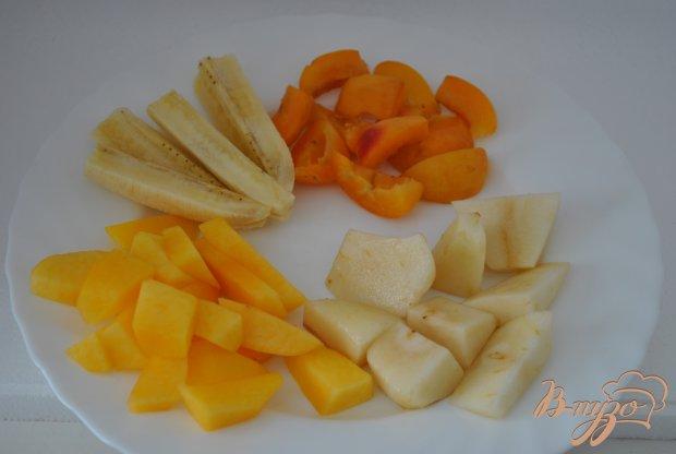 Рецепт Блинный торт с фруктами и клубничным джемом