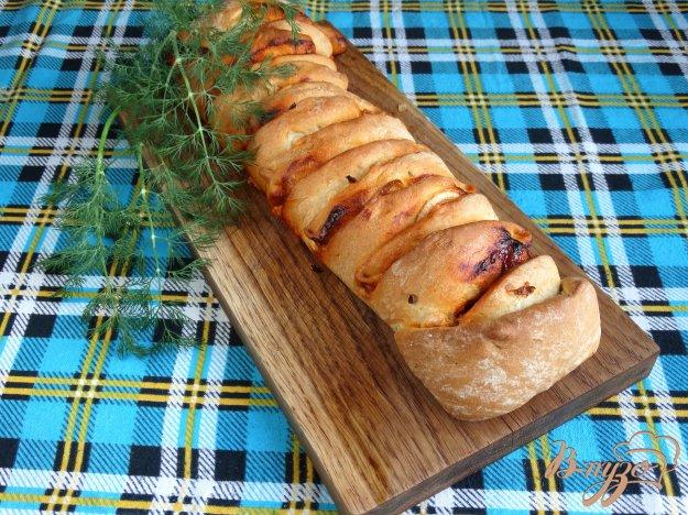 фото рецепта: Стромболи с грибами и колбасой