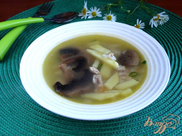 фото рецепта: Куриный суп с шампиньонами и рисом