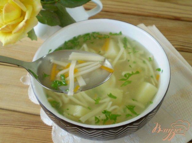фото рецепта: Суп из молодых овощей и домашней лапши
