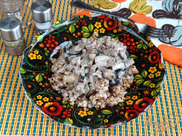 фото рецепта: Гречка с луково-грибным сливочным соусом