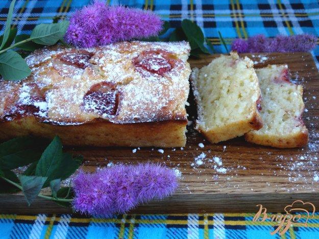 фото рецепта: Яблочно-клубничный кекс