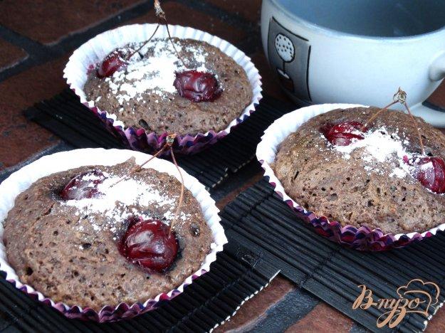 фото рецепта: Шоколадно-вишневые маффины