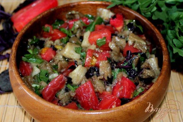 фото рецепта: Салат из печеных баклажанов и помидоров