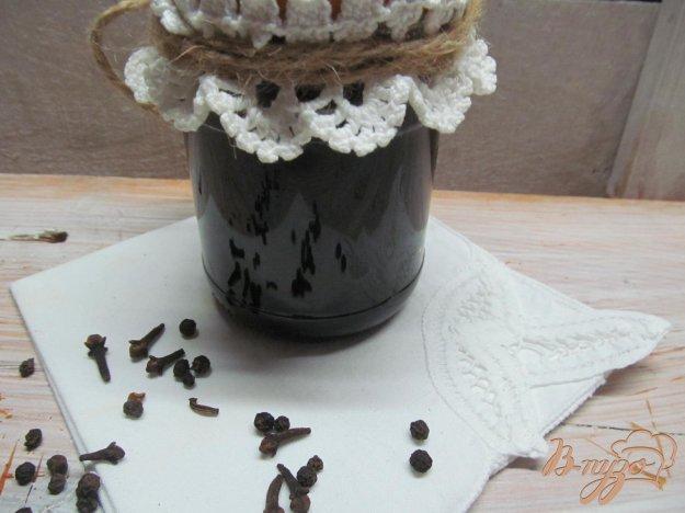фото рецепта: Маринованная черная смородина